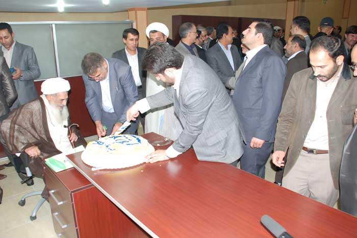 حضور سردار درویش وند در مراسم افتتاح نخستین نمایندگی بیمه کوثر (8)