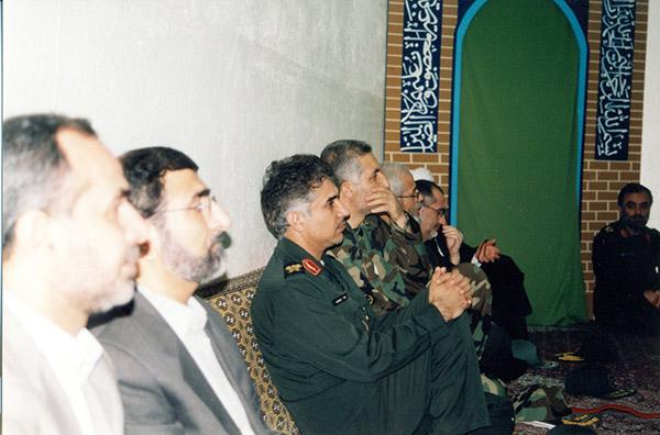 عکس های سردار جواد درویش وند - ادای احترام به مقام شامخ شهدا (4)